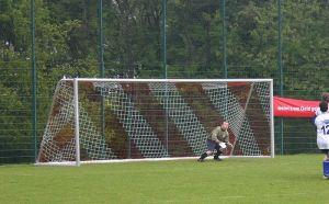 800px-Football_goal_20050521