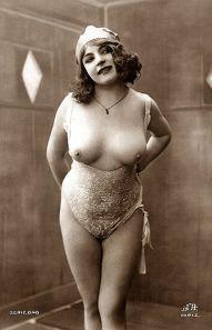 384px-Fernande_(vintage_nude_photo)_2